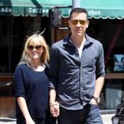 Reese Witherspoon, enceinte : Dans les bras de son mari, elle rayonne