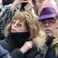 Jane Birkin et Jean-Michel Ribes (chapeau violet) au meeting de François Hollande au Château de Vincennes, le 15 avril 2012.