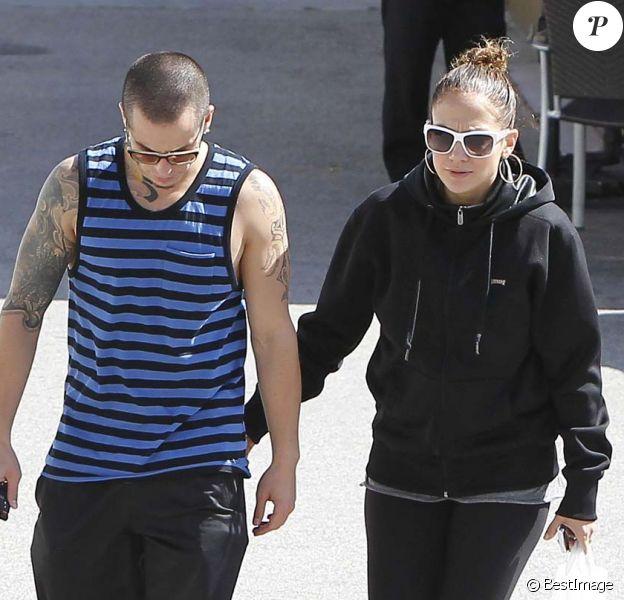 Jennifer Lopez et Casper Smart à Los Angeles, le 28 avril 2012.