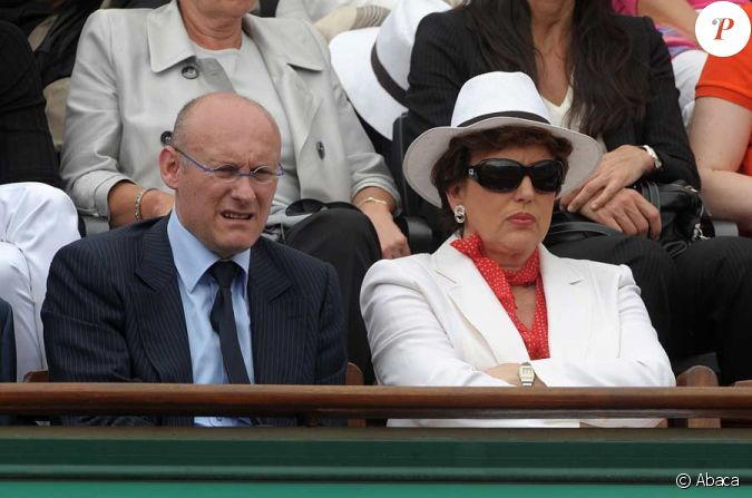 bernard laporte et roselyne bachelot lors de la finale federer nadal. Black Bedroom Furniture Sets. Home Design Ideas