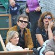 Philippe Manoeuvre et son amie Candice lors de la finale Federer-Nadal
