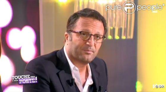 Arthur sur le plateau de  Touche pas à mon poste  sur France 4, le jeudi 3 mai 2012.