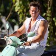 Mark Wahlberg sur le tournage de  Pain and Gain  de Michael Bay, le 25 avril 2012.
