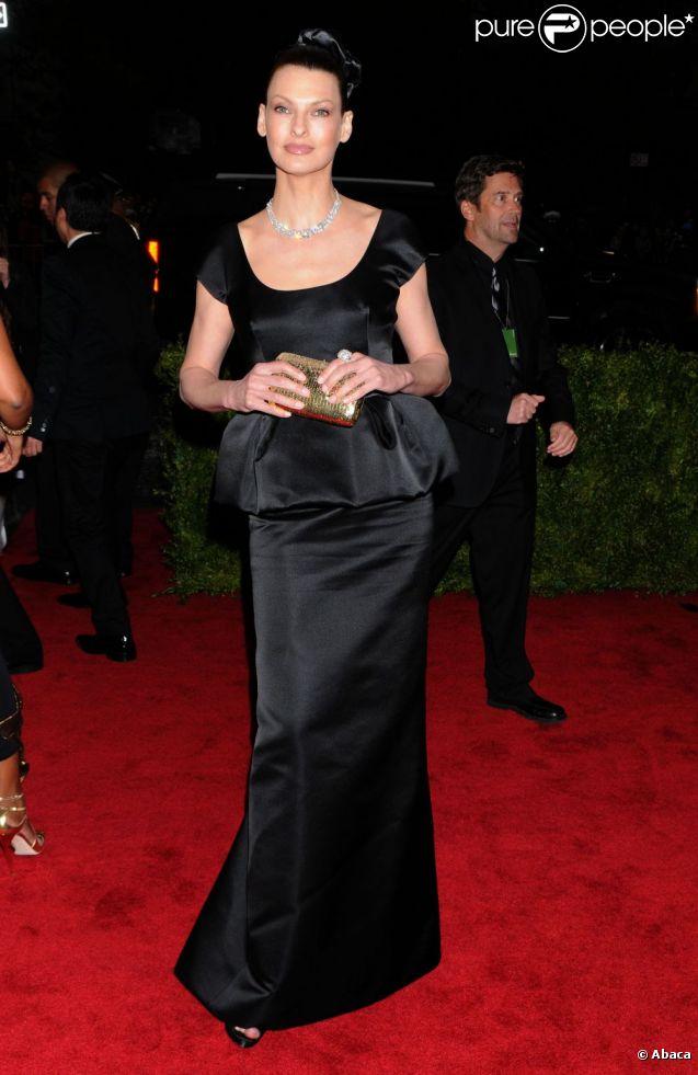 Linda Evangelista, le 7 mai 2012, au Met Gala 2012. New York