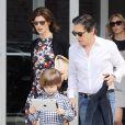 Linda Evangelista, le 6 mai 2012, en compagnie de son fiancé Peter Morton et de son fils Augustin, 5 ans. New York