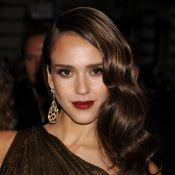 Scarlett Johansson, Jessica Alba... Qui est la plus belle, décolletée et sexy ?