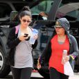Vanessa Hudgens se rend dans une salle de gym à Studio City avec sa maman, le jeudi 10 mai 2012.