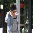 Vanessa Hudgens s'apprête à retrouver sa soeur à Studio City, le jeudi 10 mai 2012.