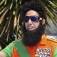 """Sacha Baron Cohen est venu dans la peau du """"héros"""" de  The Dictator  au festival de Cannes, le 16 mai 2012."""