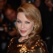 Cannes 2012 : Kylie Minogue fait la bringue dans un parking