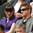 Nolwenn Leroy et Arnaud Clément joliment complices et tendres lors de la finale féminine de Roland-Garros 2012. Les people ont fait honneur en nombre au triomphe de Maria Sharapova à Roland-Garros, qui a remporté samedi 9 juin 2012 pour la première fois les Internationaux de France, aux dépens de l'Italienne Sara Errani.