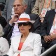 Roselyne Bachelot. Les people ont fait honneur en nombre au triomphe de Maria Sharapova à Roland-Garros, qui a remporté samedi 9 juin 2012 pour la première fois les Internationaux de France, aux dépens de l'Italienne Sara Errani.