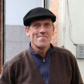 Hugh Laurie : Méconnaissable en Argentine avec sa femme Jo !