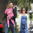 Alyson Hannigan et Alexis Denisof avec leur fille Satyana à Los Angeles en mai 2012
