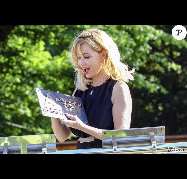 Emmanuelle Béart sous le soleil du Art Film Festival, le 17 juin 2012 à Teplice en Slovaquie.