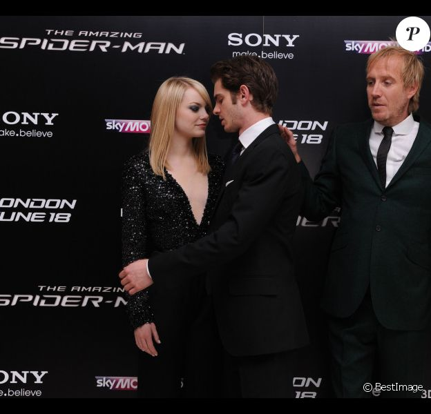 Emma Stone, Andrew Garfield et Rhys Ifans lors de l'avant-première du film The Amazing Spider-man à Londres le 18 juin 2012