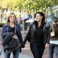 Jessica Capshaw (Dr Robbins) et Sara Ramirez (Dr Torres) dans  Grey's Anatomy .