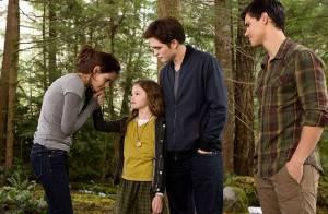 Twilight 5 : Doux moments pour Kristen Stewart, Robert Pattinson et leur 'fille'