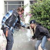Ashley Tisdale en escort-girl malmenée par Charlie Hunnam dans Sons of Anarchy