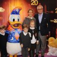 Le prince Laurent de Belgique (photo : en famille lors du 20e anniversaire de Disneyland Paris en mars 2012), propriétaire d'une villa, la Casa Sofia, sur l'île de Panarea, au large de la Sicile, a laissé les lieux à l'abandon, selon un envoyé spécial de Sudpresse.