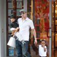 Brad Pitt en compagnie de Pax et Zahara