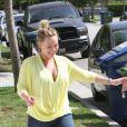 Hilary Duff, de retour à Los Angeles, retrouve son époux Mike Comrie, le mercredi 4 juillet 2012.