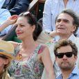 Lio et son nouveau compagnon, complices, à Roland Garros le 31 mai 2012