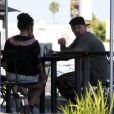 Benji Madden déjeune dans un restaurant de Los Angeles avec sa petite amie, Eliza Doolittle, le samedi 7 juillet 2012.