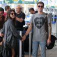 Shenae Grimes et son boyfriend Josh Beech à l'aéroport de Vancouver, le 13 juillet 2012