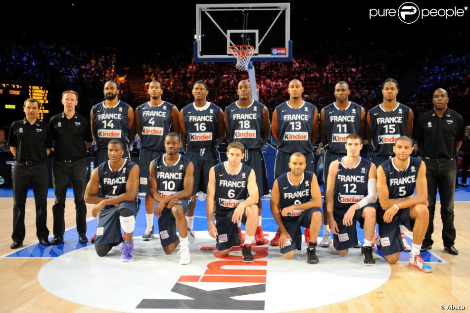 L Equipe De France De Basket Le 15 Juillet 2012 Lors Du Match Face A