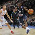 Yannick Bokolo le 15 juillet 2012 lors du match entre l'équipe de France de basket et l'Espagne au Palais Omnisport de Paris-Bercy (défaite 70-75 des Bleus)