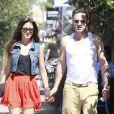 EXCLU - David Arquette, très amoureux, se promène main dans la main avec sa ravissante petite amie Christina McLarty le 30 juin 2012 à Los Angele.