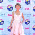 Taylor Swift pose lors de la cérémonie des Teen Choice Awards, à Los Angeles, le dimanche 22 juillet 2012.