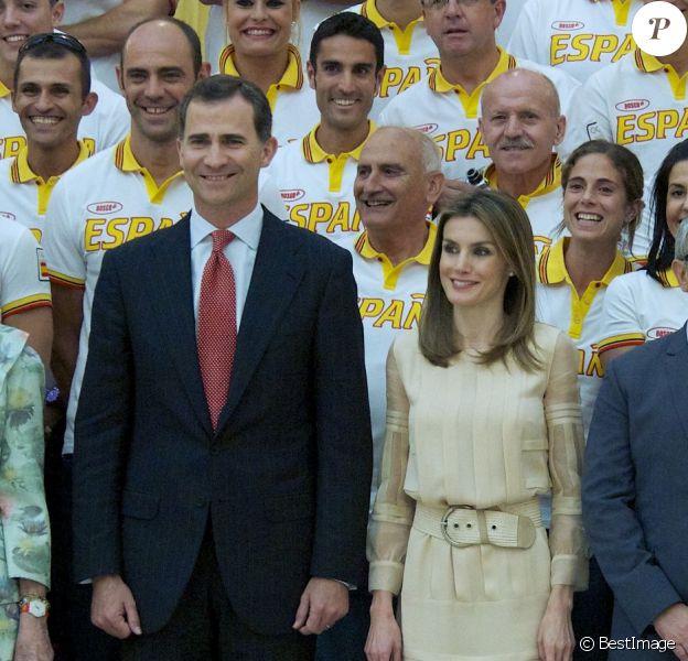 Felipe et Letizia étaient heureux de transmettre leurs encouragements. A la veille de son départ pour les JO de Londres, la délégation olympique espagnole a été reçue le 23 juillet 2012 au palais du Pardo, à Madrid, pour recevoir les voeux de réussite du roi Juan Carlos Ier d'Espagne, en présence de la reine Sofia, du prince Felipe et de la princesse Letizia.