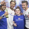 David Beckham apparaît par surprises auprès de ses fans dans un studio photo improvisé par son sponsor Adidas