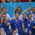 Le clan français après la victoire d'Amaury Leveaux, Fabien Gilot, Clément Lefert et Yannick Agnel lors du relais 4x100m le 29 juillet 2012 lors des Jeux olympiques de Londres