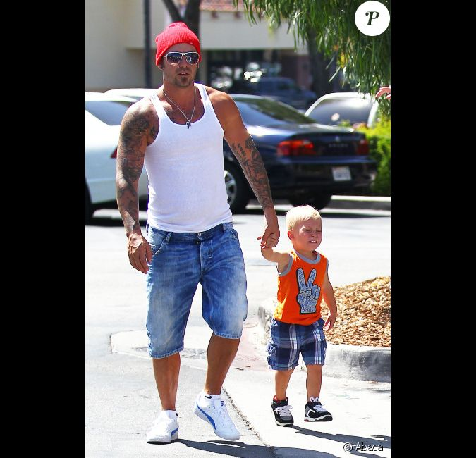 Le p re de justin bieber jeremy et le petit jaxon for Kings fish calabasas
