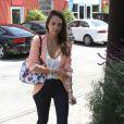Jessica Alba dans les rues de Los Angeles le 2 août 2012
