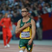 JO de Londres : Oscar Pistorius ovationné et ému par un geste symbolique
