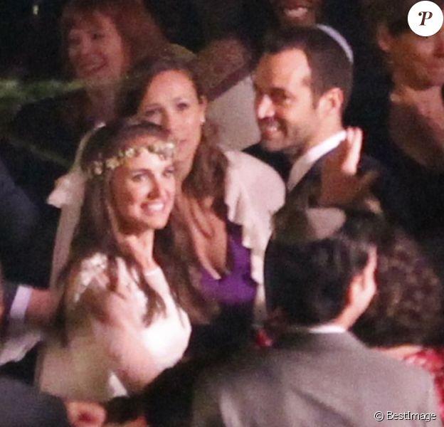 Mariage de Natalie Portman et Benjamin Millepied le 4 août 2012 à Big Sur en Californie - Les deux mariés entourés de leurs proches