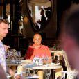 Jacques Chirac déjeune à la terrasse du restaurant Le Girelier, à St-Tropez, le vendredi 10 août 2012.