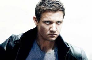 Box-office : Jason Bourne dépasse Batman, Jeremy Renner plus mou que Matt Damon
