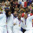 Sorhaindo, Karabatic, Dinart, Narcisse : la folie de l'or ! Les Experts du hand français ont conservé le 12 août 2012 aux JO de Londres leur titre olympique de Pékin en battant en finale la Suède (22-21). Un doublé historique, une joie épique, une équipe de légende.