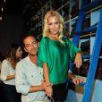 Jennie Garth et Luke Perry, toujours aussi complices, au bar à jeans Old Navy à Los Angeles, le 23 août 2012
