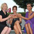 Natacha Regnier, Audrey Dana et la belle Sonia Rolland prennent la pose avec le sourire lors du Festival Du film Francophone d'Angouleme le 24 août 2012