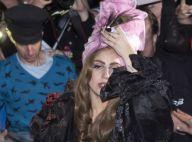 Lady Gaga : Nue ou chapeautée, elle se donne à ses fans