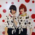 Le duo de DJettes Broken Hearts, chargé d'animer l'inauguration du pop-up store Louis Vuitton x Yayoi Kusama au grand magasin Printemps. Paris, le 4 septembre 2012.