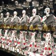 Vitrine du grand magasin Printemps aux couleurs de la collection Louis Vuitton x Yayoi Kusama. Paris, le 4 septembre 2012.