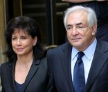 Dominique Strauss-Kahn et Anne Sinclair à la sortie du tribunal de New York, le 6 juin 2011.