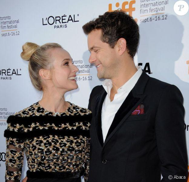 Joshua Jackson et Diane Kruger à la première du film Inescapable au Festival International du Film de Toronto le 11 septembre 2012.